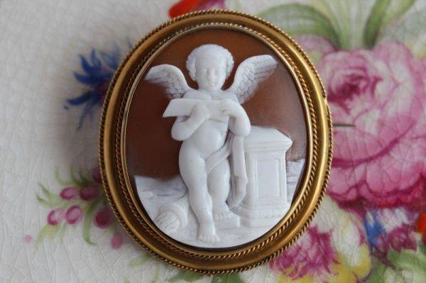 画像1: 天使のシェルカメオブローチ (1)