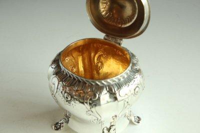 画像1: 純銀のティーキャディー