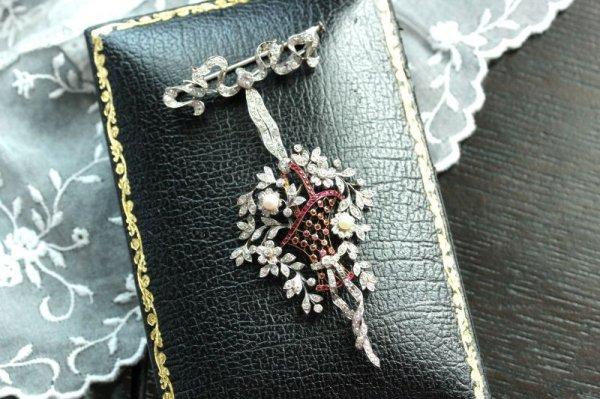 画像1: ダイヤモンド・ルビー 花籠ブローチ&ネックレス (1)