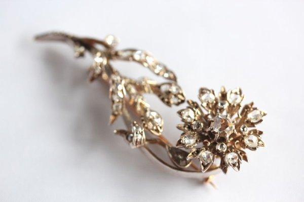 画像1: ダイヤモンドのローズブローチ (1)
